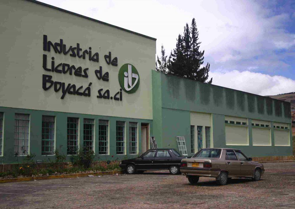 Fachada industria de licores de Boyacá