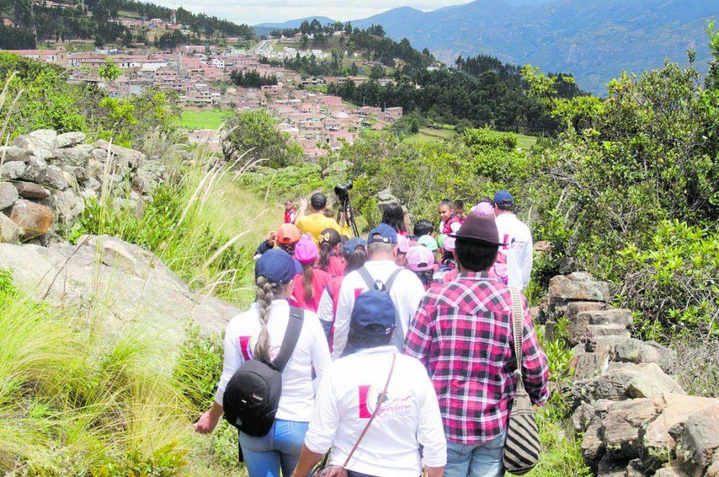 Caminantes inician hoy ruta tras los pasos del libertador 1