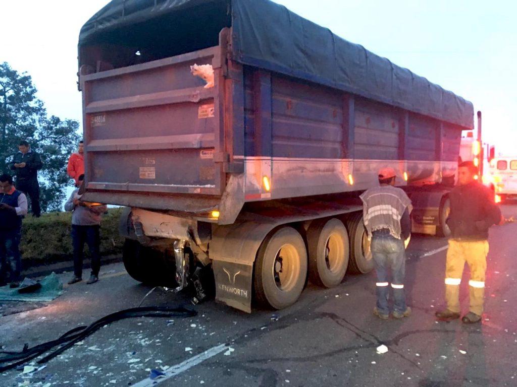 Tres vehículos se vieron afectados en el accidente de tránsito