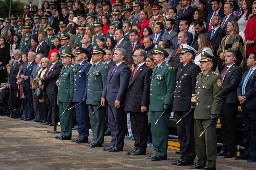 Autoridades militares en su día 7 de Agosto