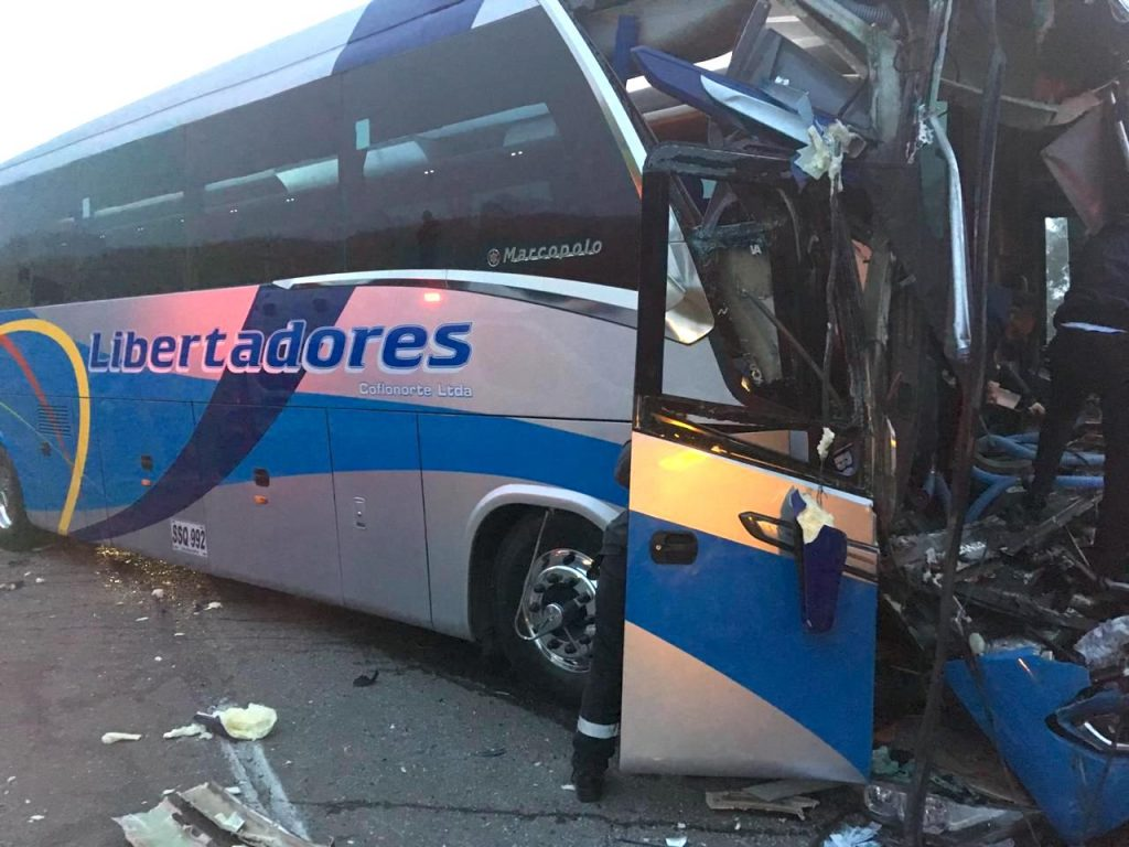Bus afectado en el accidente de tránsito