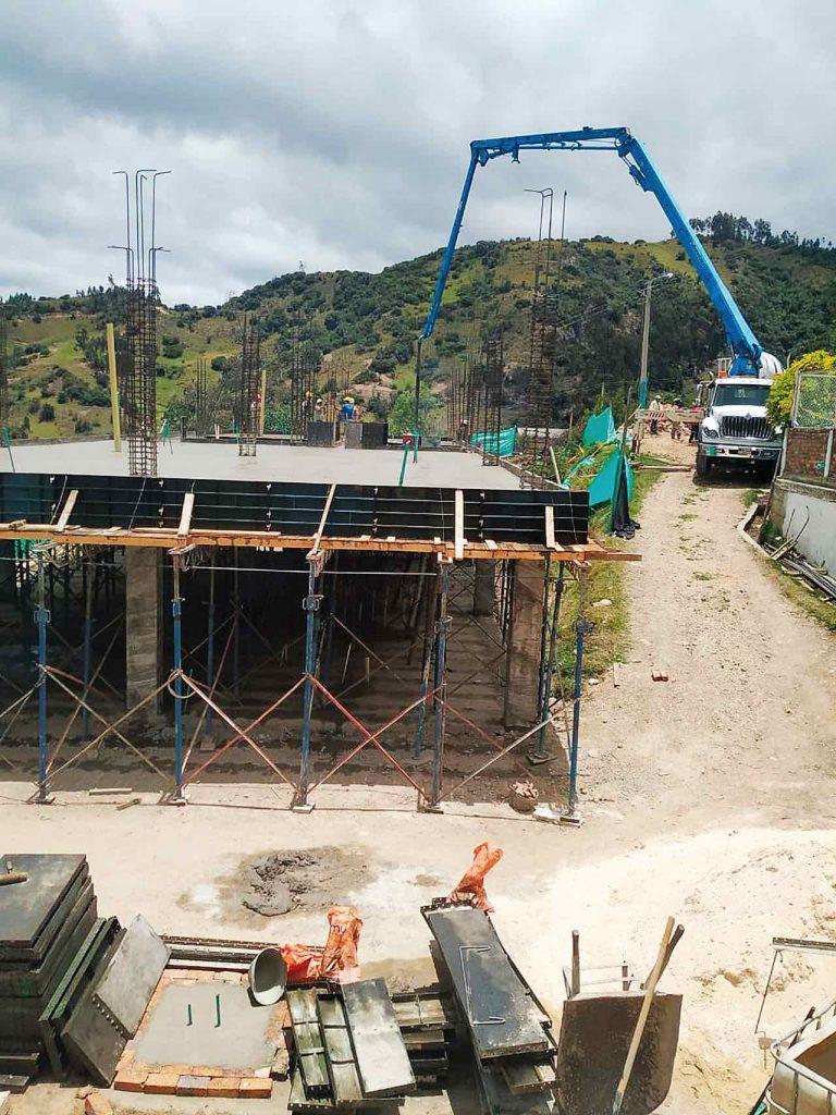 En la sede de El Hatillo de la Institución Educativa Marco Antonio Quijano Rico se construye nueva planta