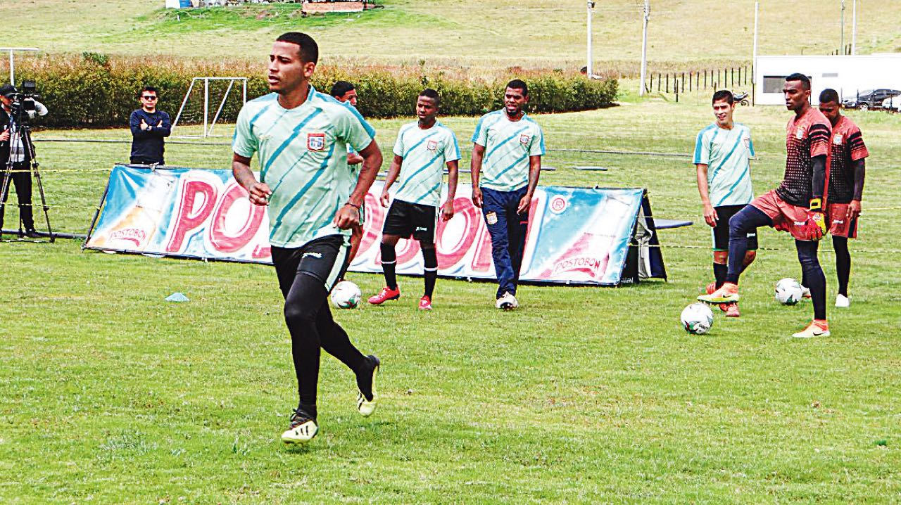 En la sede deportiva Isabelita de Pimentel, el equipo de Boyacá Chicó intensificó sus entrenamientos.