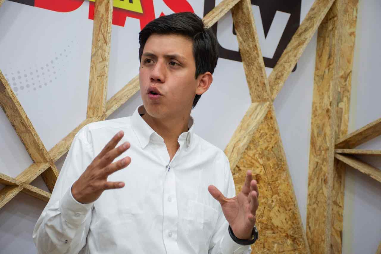 Desde los 6 años Hernel David Ortega Gómez empezó a trabajar en el sector público y privado lo que le permitirá gobernar a Duitama.