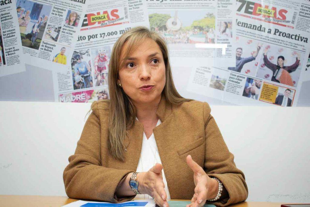 Carmen Ligia Valderrama Gómez, superintendente de Transporte, visitó el departamento de Boyacá.