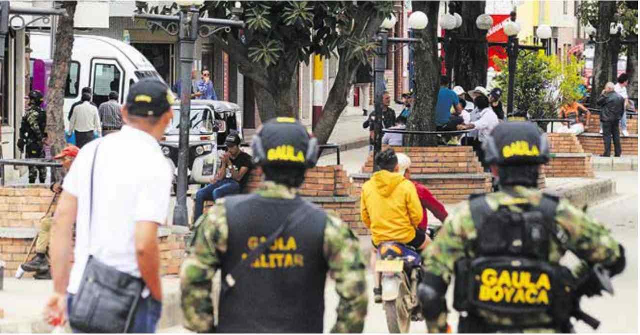 Gaula Policía en Paz de Río