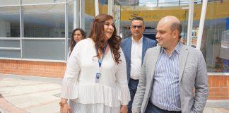 El equipo de trabajo de la ESE Salud del Tundama recibió al viceministro de Salud, Iván González en su paso por la entidad