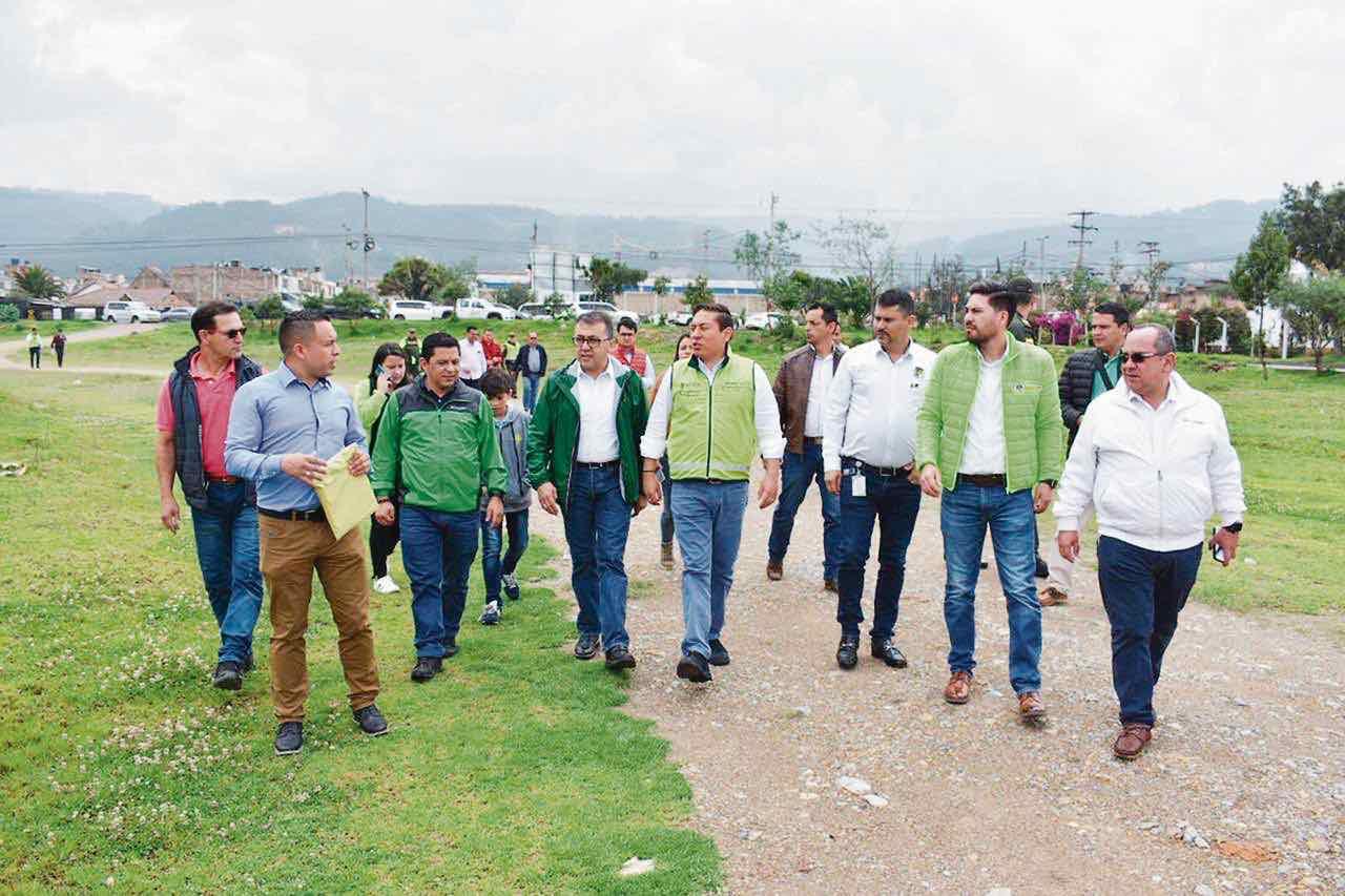 El Gobernador visitó los trabajos que se desarrollan en la ciudad y prometió más inversión.