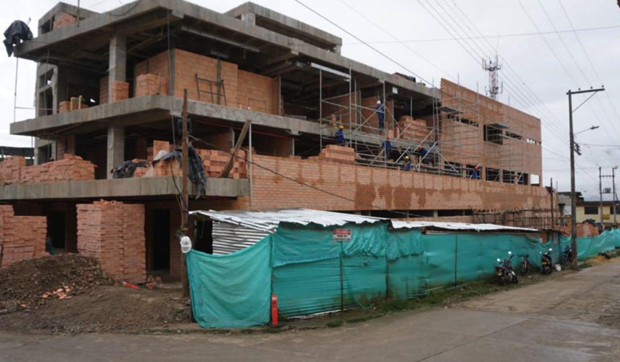 Para construir el nuevo Hospital de Miraflores fue necesario demoler las instalaciones del antiguo hospital.
