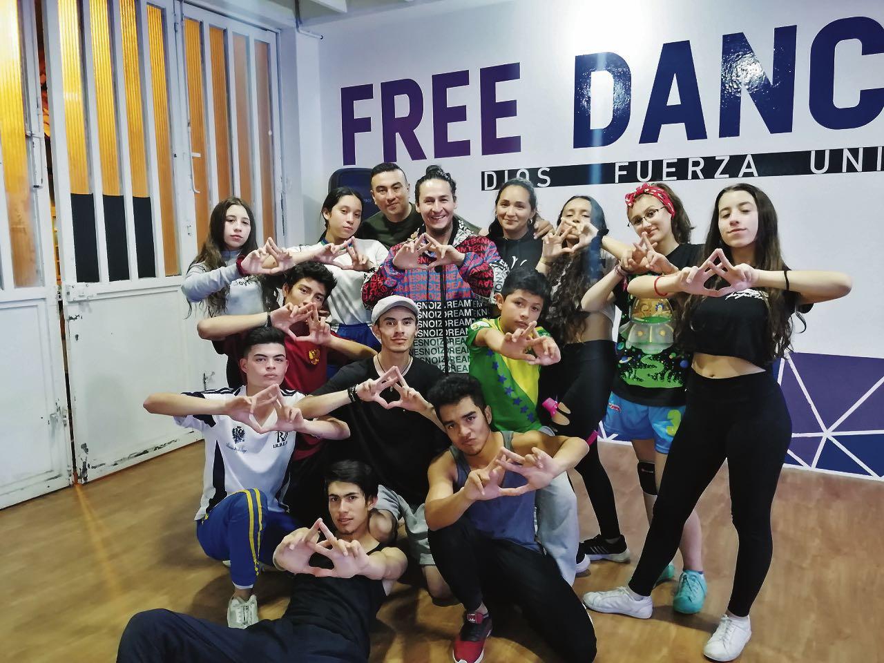 El grupo de 23 deportistas de la Academia Free Dance de Tunja competirá en Puerto Vallarta (México).