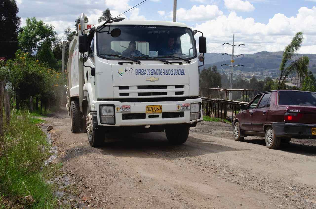 Vía que conduce al relleno sanitario Terrazas del Porvenir, donde depositan sus basuras 44 municipios.