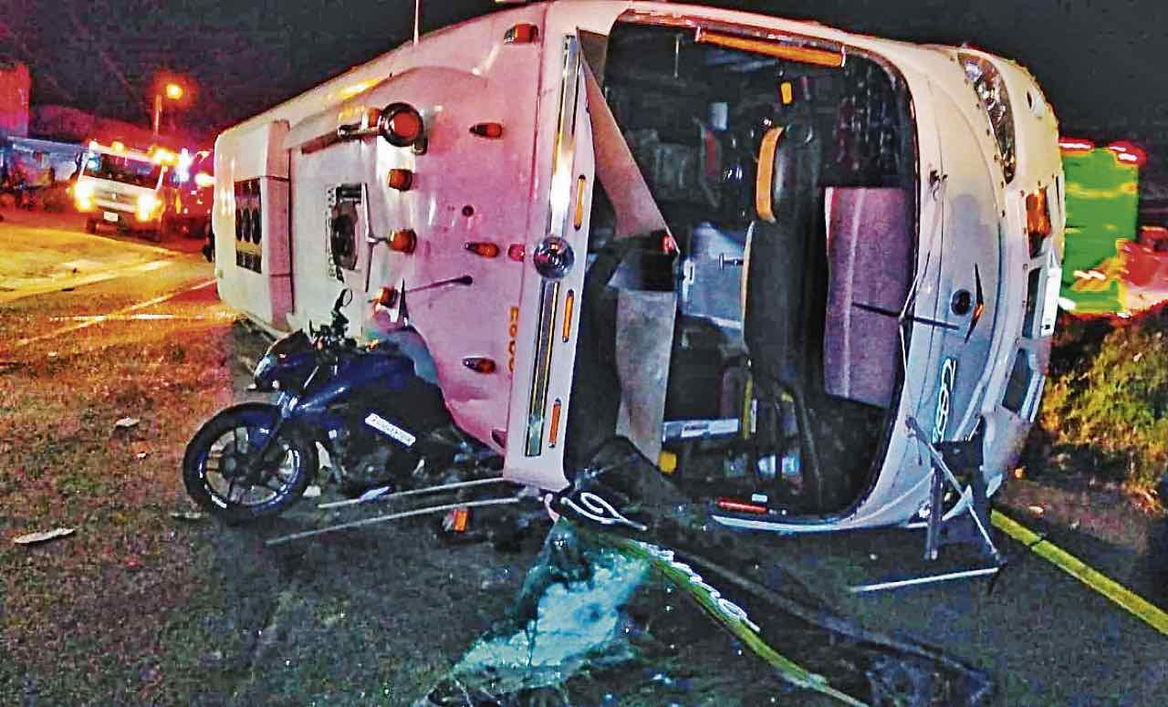 El siniestro fue atendido por 10 ambulancias de la Concesión BTS, Bomberos Tunja, Cruz Roja Boyacá, Ventaquemada y Nuevo Colón