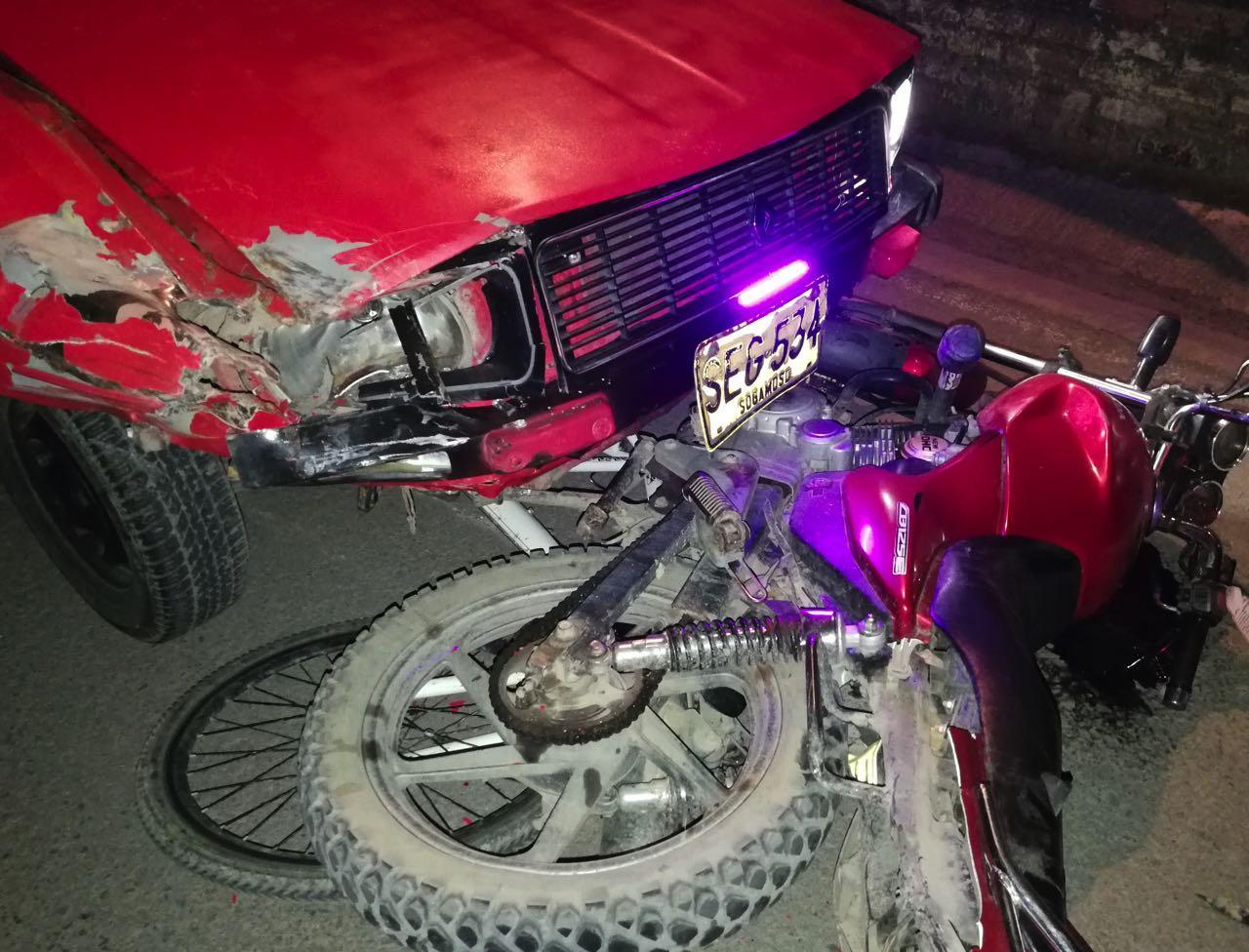Según informe de la Policía, el accidente ocurrió el 24 de diciembre hacia las 9:40 p.m. frente al cementerio en la entrada a Mongua