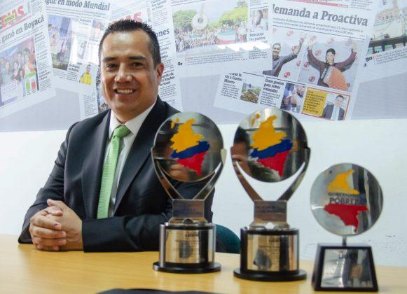 Con sus tres galardones que alcanzó en Colombia Líder, y su hija menor, el Alcalde de Paipa concedió su última entrevista a Boyacá Sie7e Días