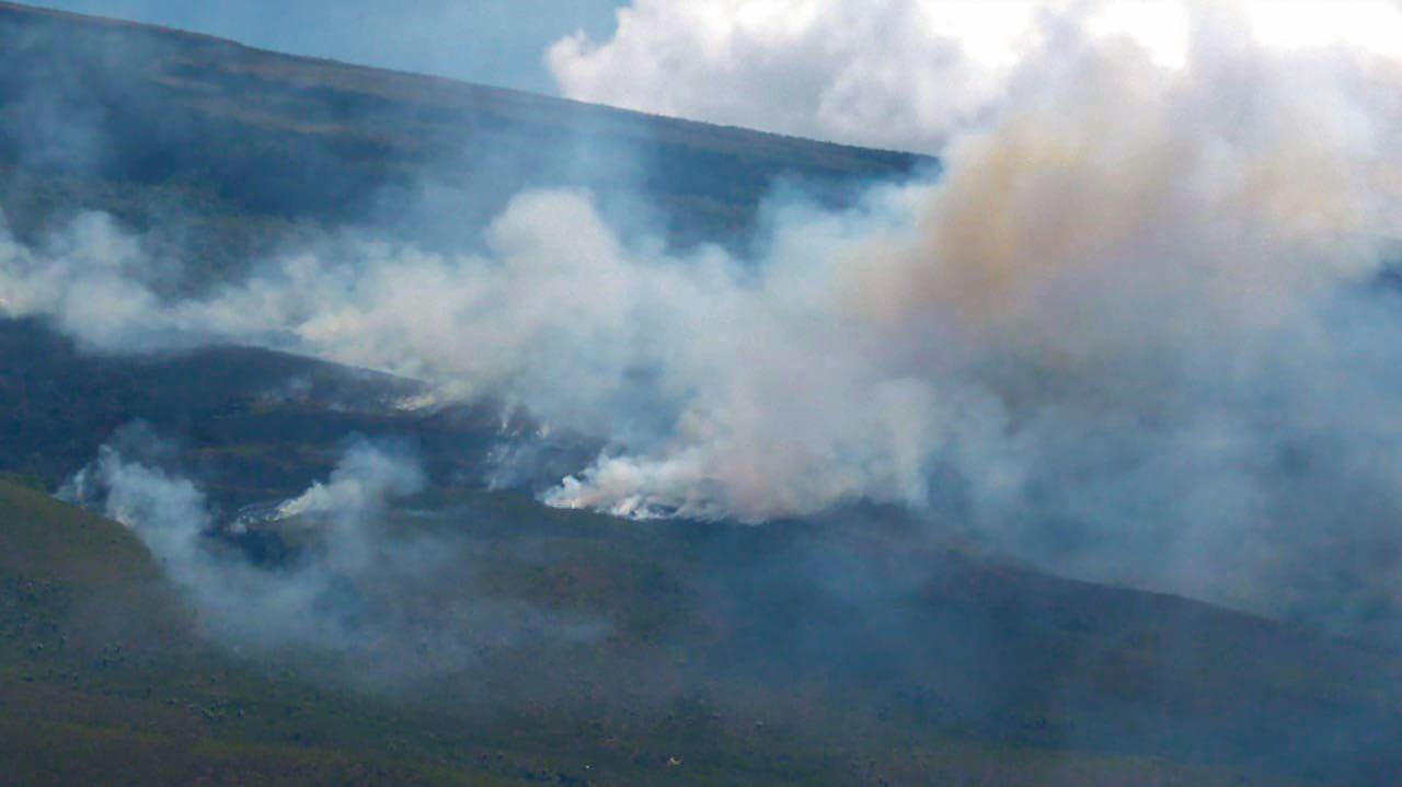 Entre Mongua y Gámeza, en zona de páramo se presenta una conflagración de grandes proporciones.