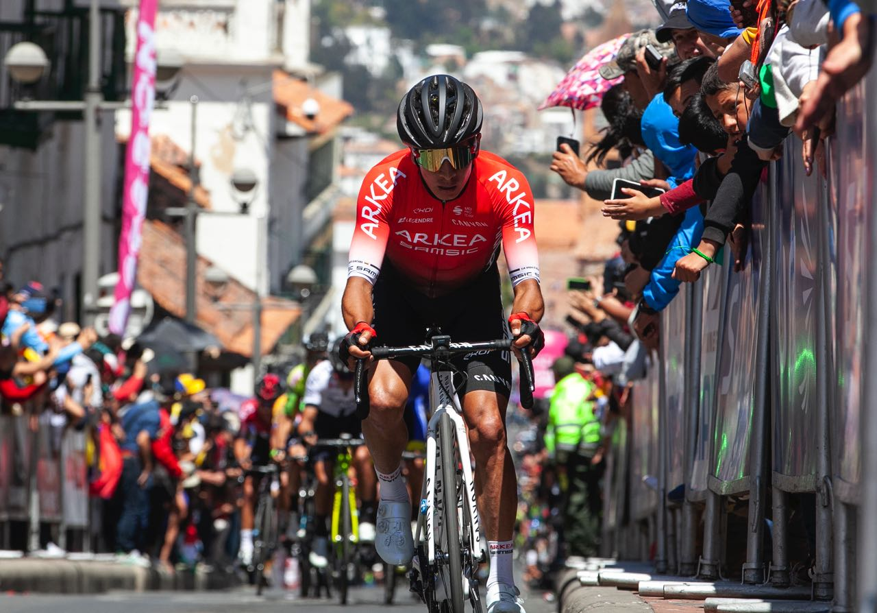 Los ciclistas boyacenses Nairo Quintana y Winner Anacona debutaron en Francia con su nuevo equipo.