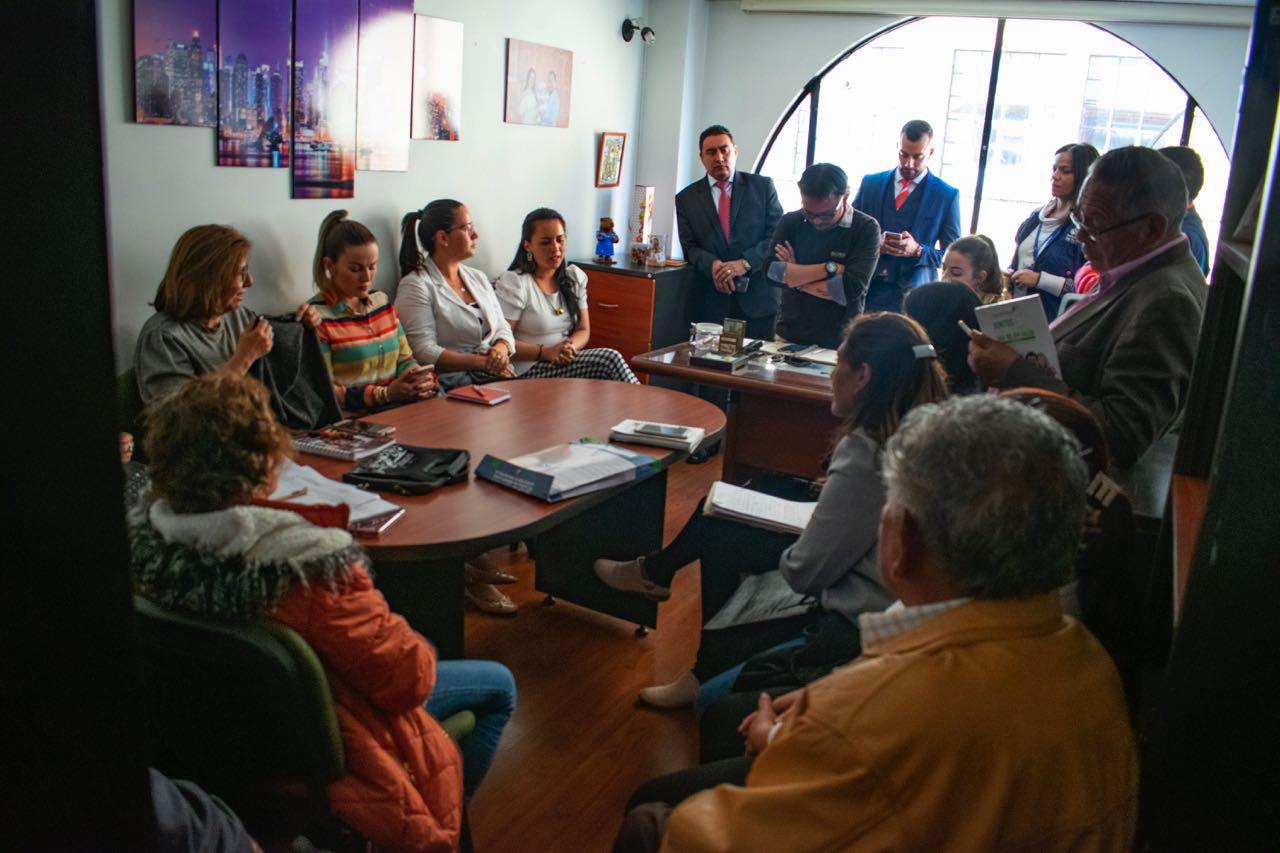 Usuarios de Comparta se reunieron con Defensoría, ´Personería y Secretaría de Protección por los posibles cambios en las entregas