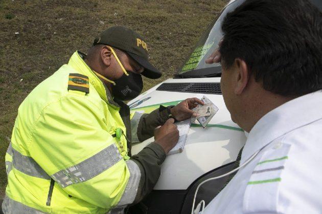 Millonarias multas se impondrán desde hoy a conductores 2