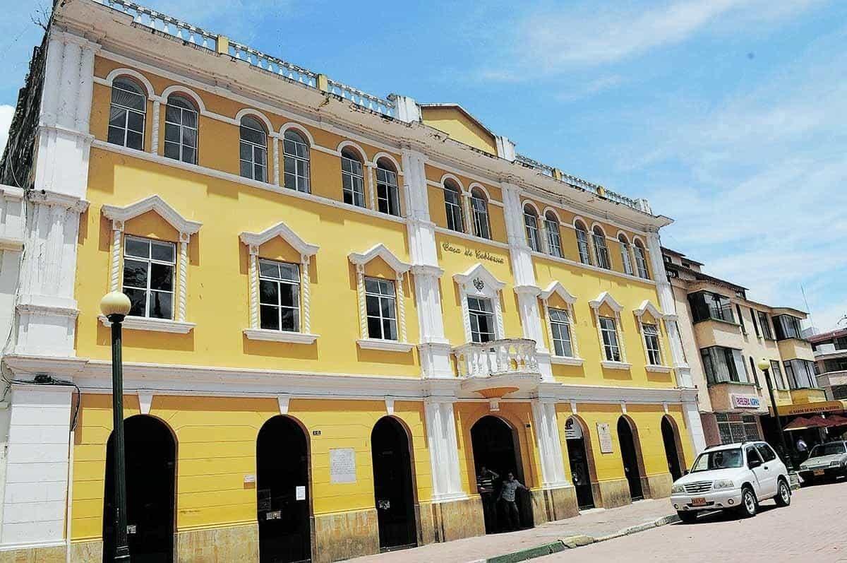 Moniquirá pide al Gobernador de Boyacá firmar resolución que permita convenio con el Cuerpo de Bomberos del municipio 1