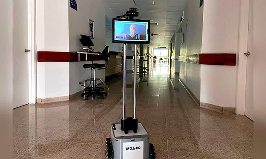 Investigadores e instructores del Sena crearon robot que ayuda al personal médico en la atención de pacientes con covid-19 1