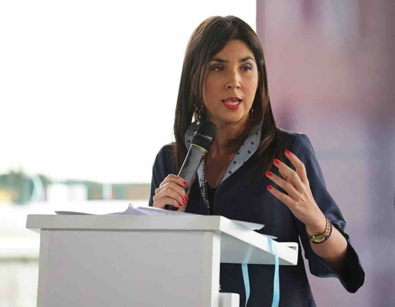 La alternancia a partir de agosto: María Victoria Angulo, Ministra de Educación 1