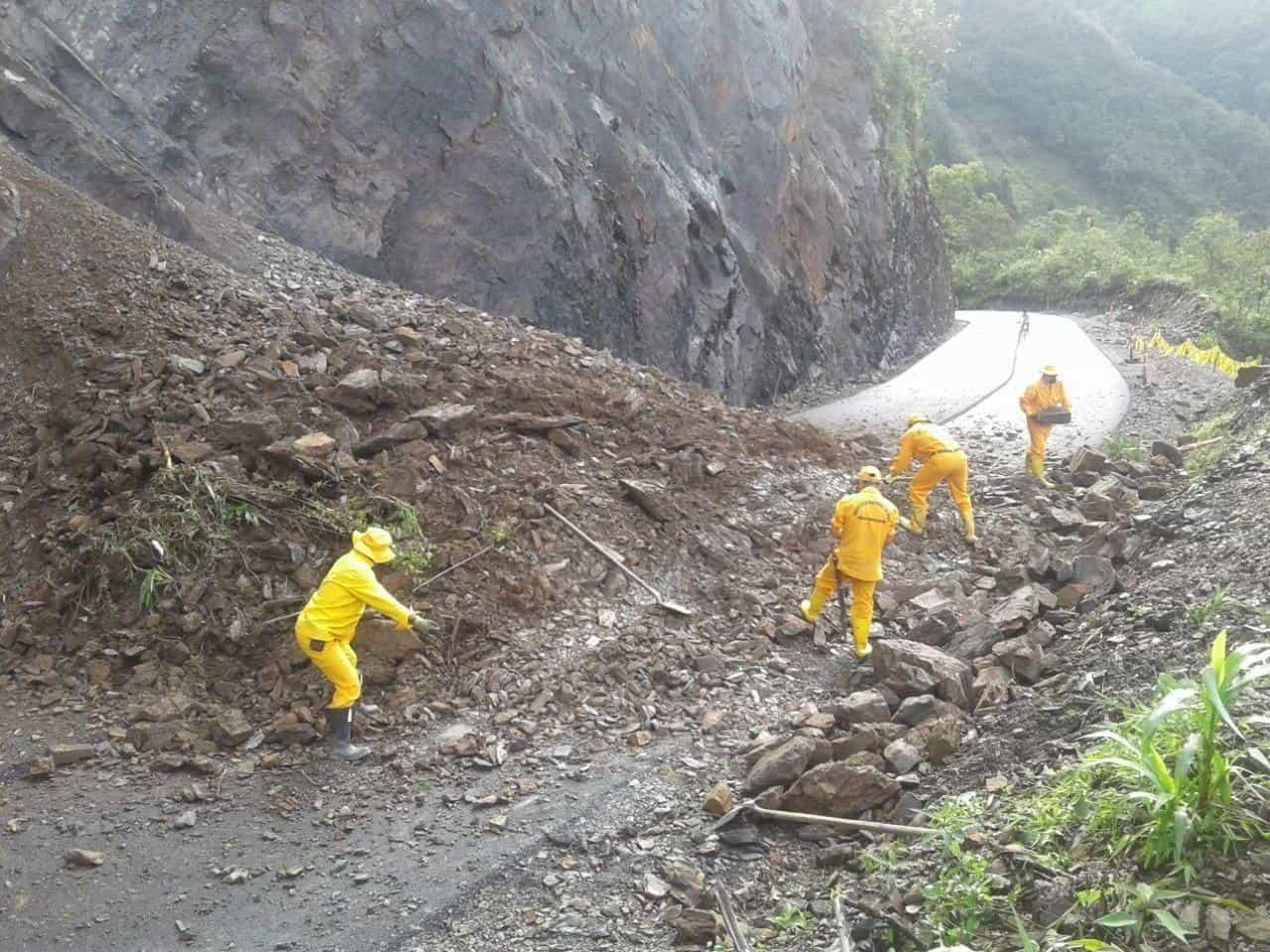 Cierre total en el kilómetro 107 más 300 metros de la carretera Tunja-Páez. El Invías trabaja en el sitio. Foto: Invías