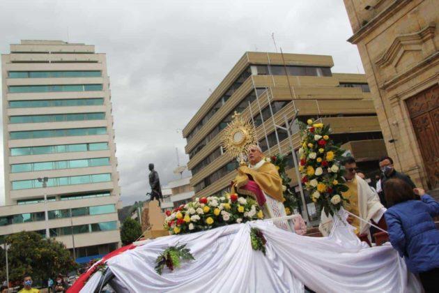 Con permiso especial la Diócesis de Duitama–Sogamoso celebró el Domingo de Corpus 7