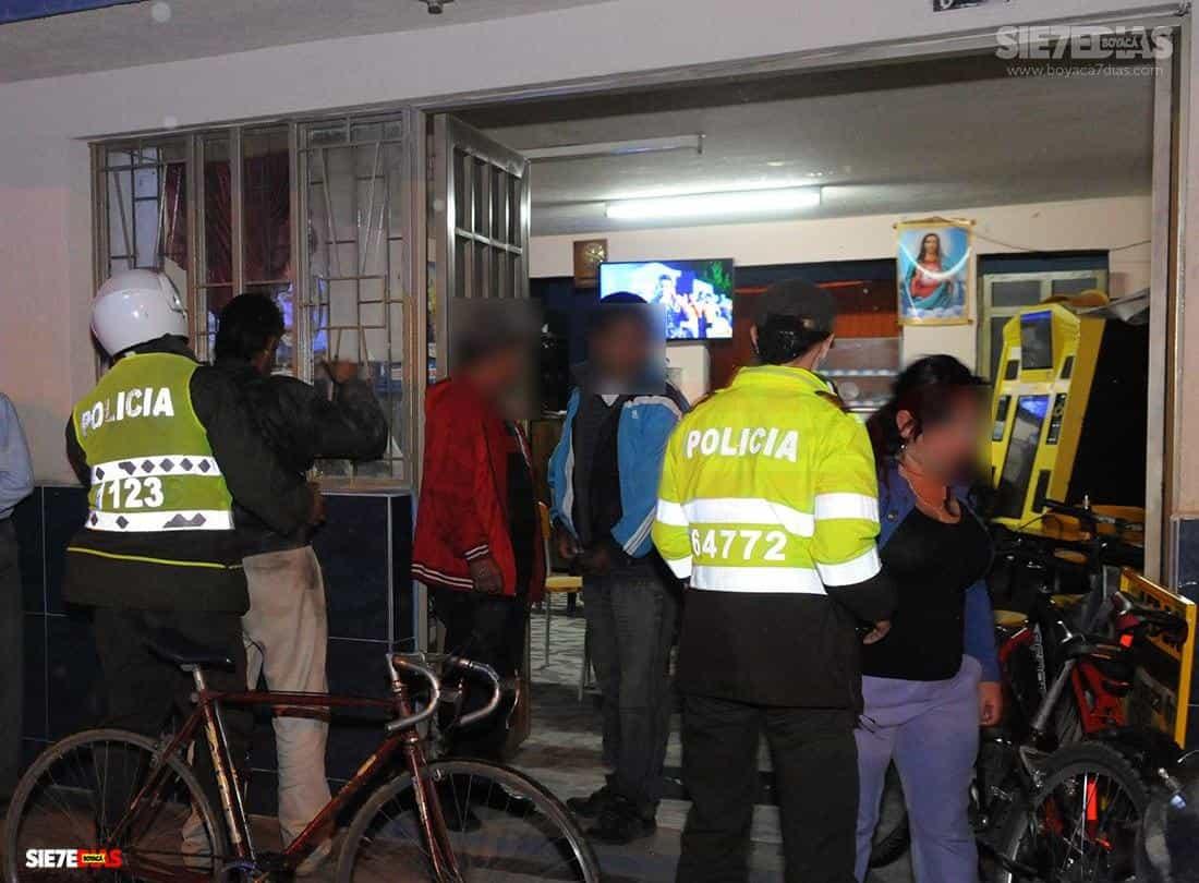 Rica la vida: inspector de Policía aprovechando las ventajas del teletrabajo #Tolditos7días 1