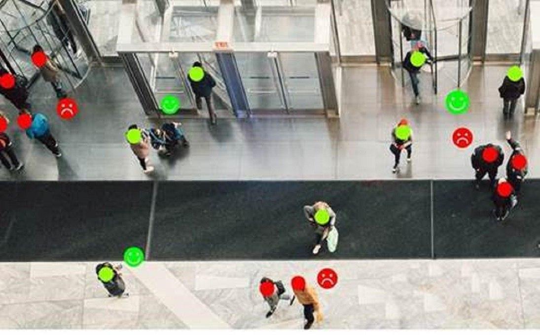 Una señal preavisa en caso de un distanciamiento menor al permitido, para evitar contagios cuando hay multitudes. Foto: archivo particular