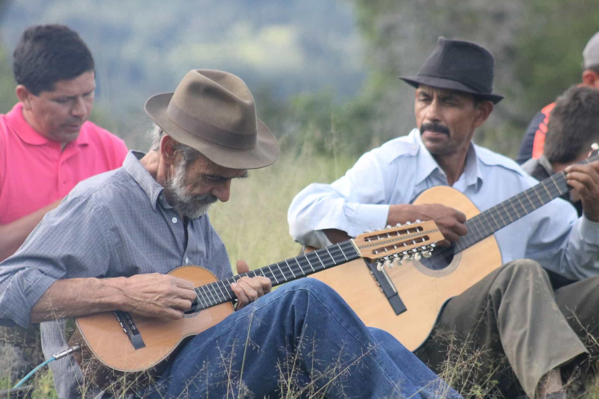 Jorge Villarreal sigue trabajando para que el Convite Carranguero no muera. Fotografía Boyacá Sie7e Días.
