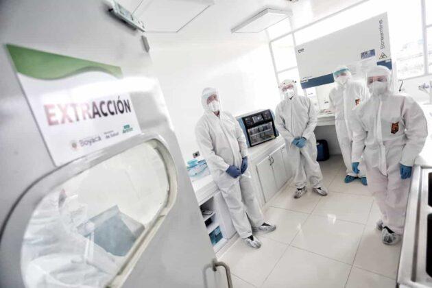 La Ebsa donó equipo que duplicará el número de pruebas para coronavirus en el laboratorio de la Secretaría de Salud de Boyacá 2