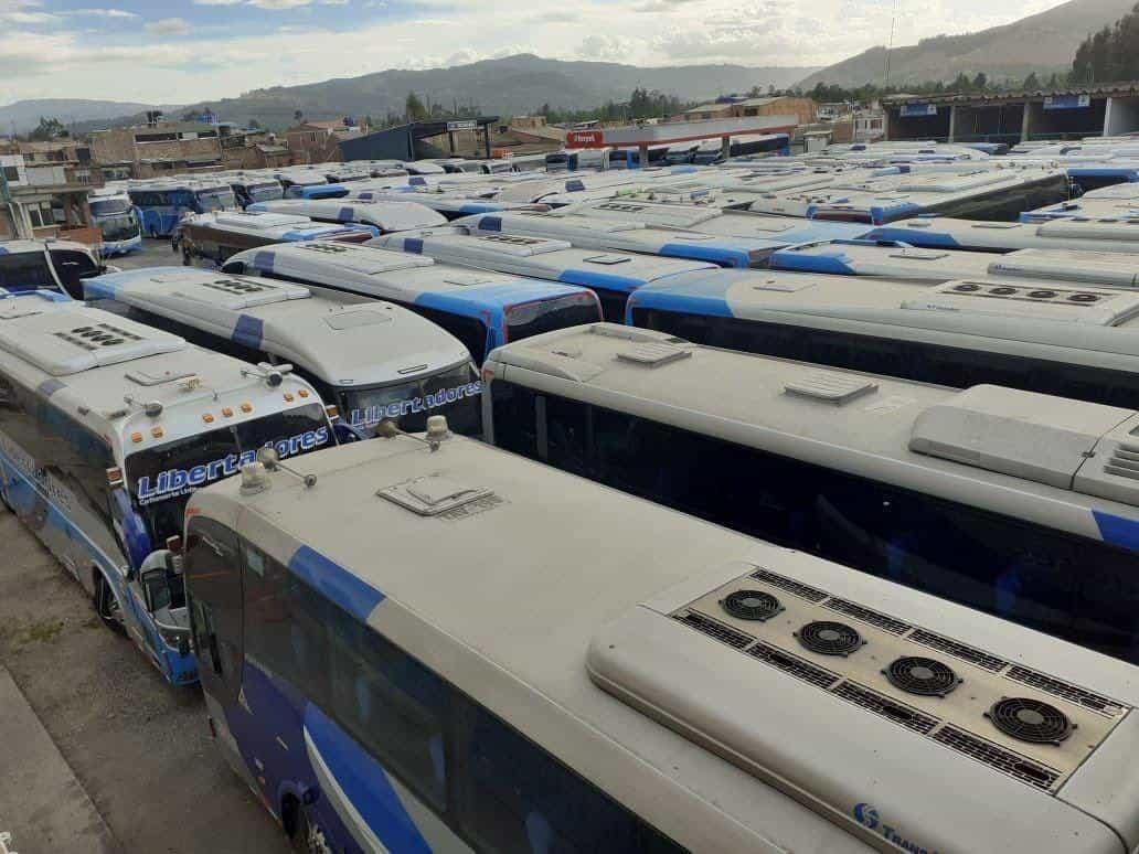 Gran parte del parque automotor de las empresas de servicio de transporte intermunicipal de pasajeros continúa parado. Foto: archivo particular