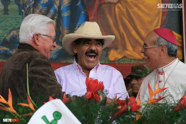'El Proceso de Paz de Occidente fue exitoso porque no estuvo el Gobierno nacional, ni las Fuerzas Militares', monseñor Gutiérrez Pabón #LaEntrevista 22