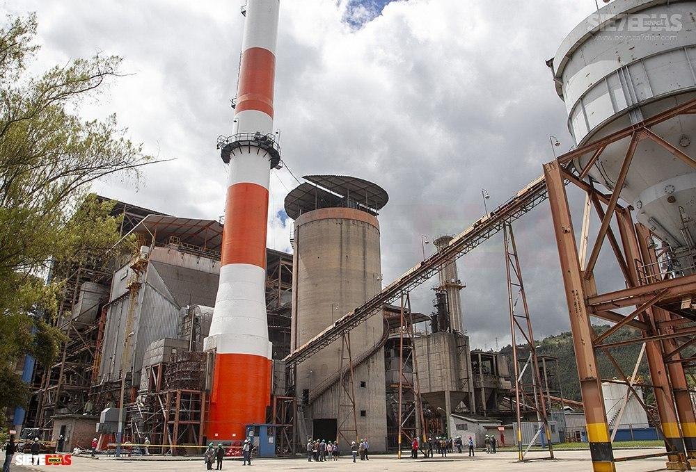 El carbón térmico que se extrae en el departamento se utiliza en la producción de energía en las termoeléctricas y en las cementeras, entre otras industrias. Foto: Archivo Boyacá Sie7e días