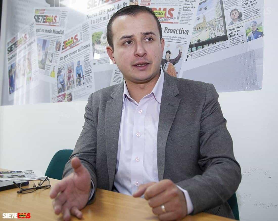 El presidente de Asobares haciendo el ridículo con una crítica a alcaldes de Boyacá #Tolditos7días 1