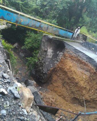 El invierno está haciendo estragos en Moniquirá: ya tumbó un puente e inundó fábricas de bocadillo 1
