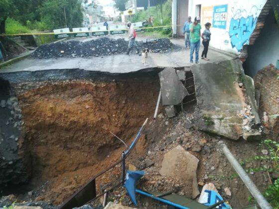 El invierno está haciendo estragos en Moniquirá: ya tumbó un puente e inundó fábricas de bocadillo 3