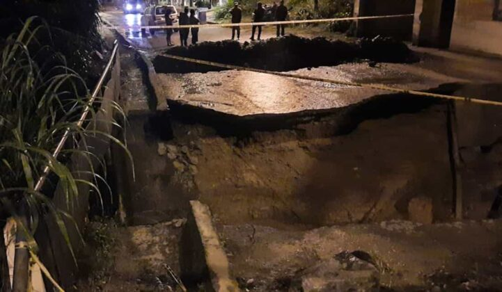 El invierno está haciendo estragos en Moniquirá: ya tumbó un puente e inundó fábricas de bocadillo 5