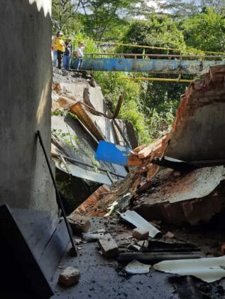 El invierno está haciendo estragos en Moniquirá: ya tumbó un puente e inundó fábricas de bocadillo 9