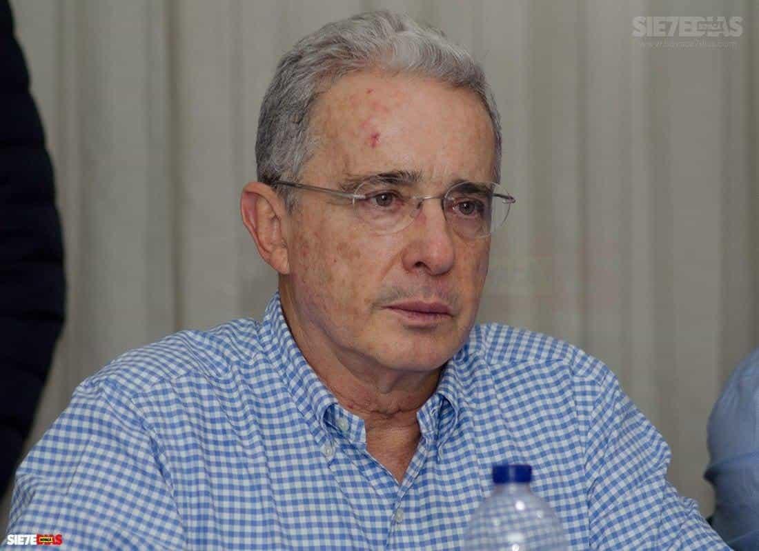 Álvaro Uribe Vélez, expresidente de la República y exsenador, sería investigado por la Fiscalía. Foto: archivo Boyacá Siete Días.