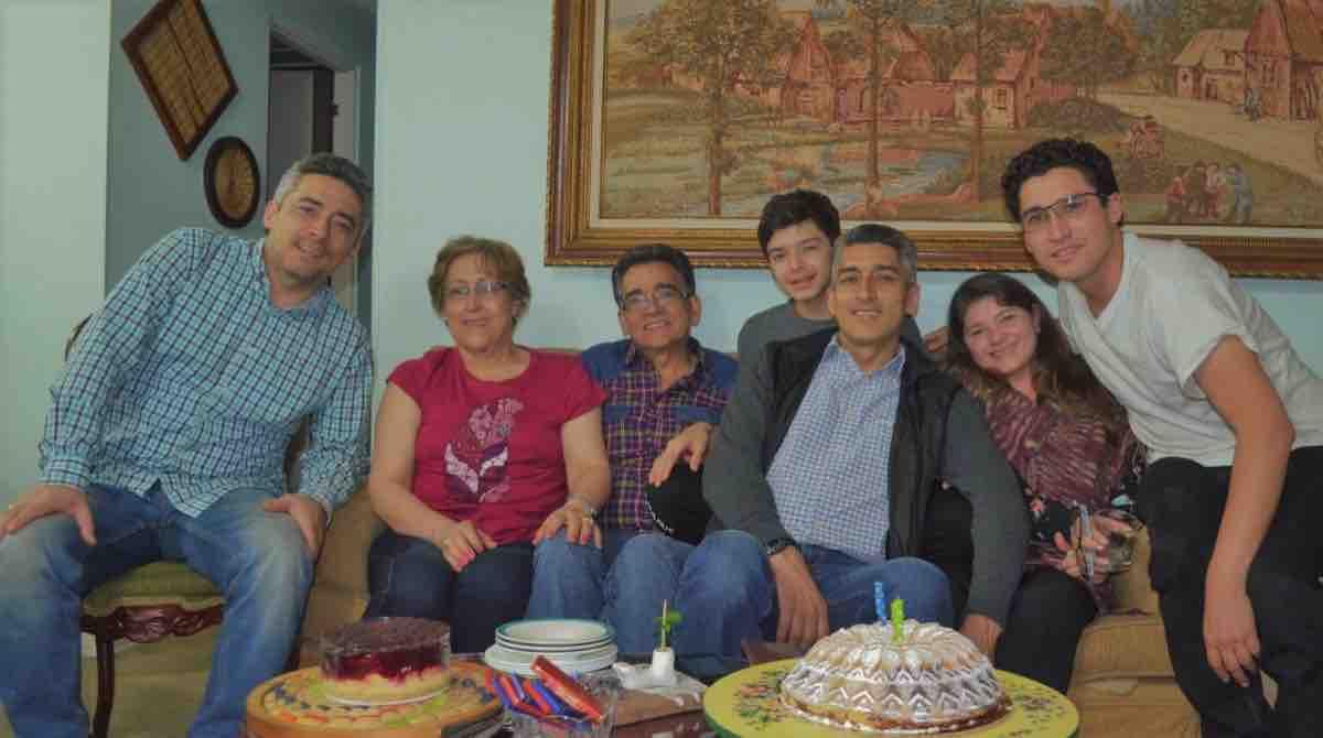 Su familia acompaña y alienta la noble labor y son para Pablo Hernán Rueda la fuerza que mueve su corazón. Fotografía. Archivo particular.