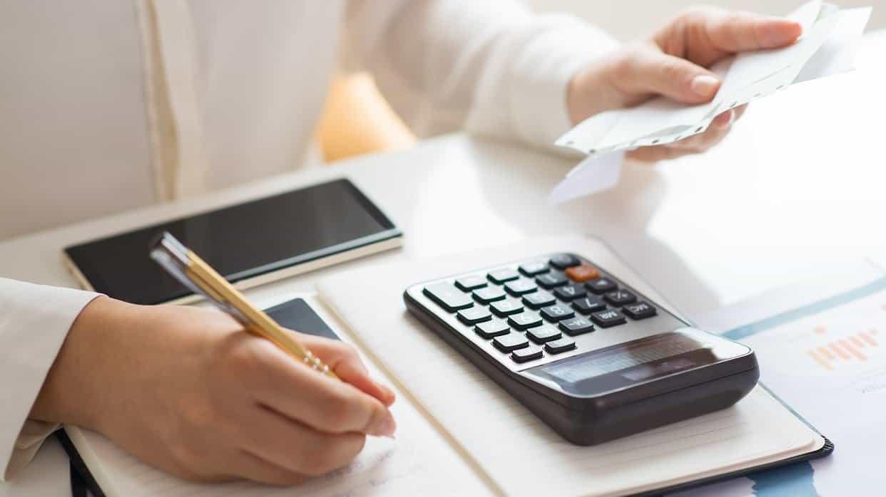 Tenga un presupuesto fijo mensual para gastos de primera necesidad y elimine aquellos gastos variables que no son prioritarios. Foto: archivo particular