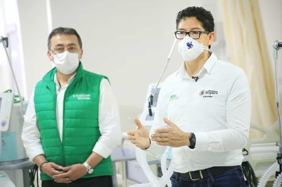 El gobernador ha adelantado una correría por los diferentes hospitales del departamento entregando equipos.