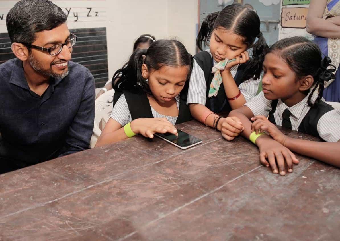 Hoy en día más estudiantes están usando las diferentes herramientas tecnológicas del programa Google For Education.