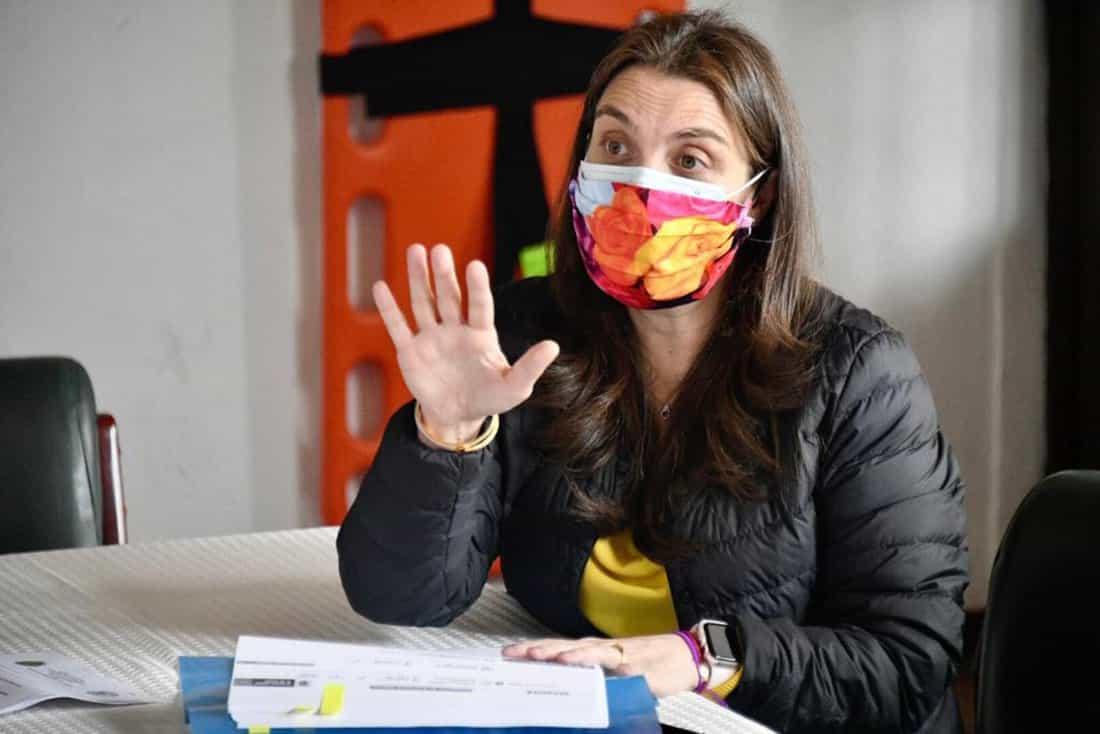 Karen Cecilia Abudinen Abuchaibe es una abogada y política colombiana, que ha sido Consejera presidencial y es la actual ministra de las TIC.