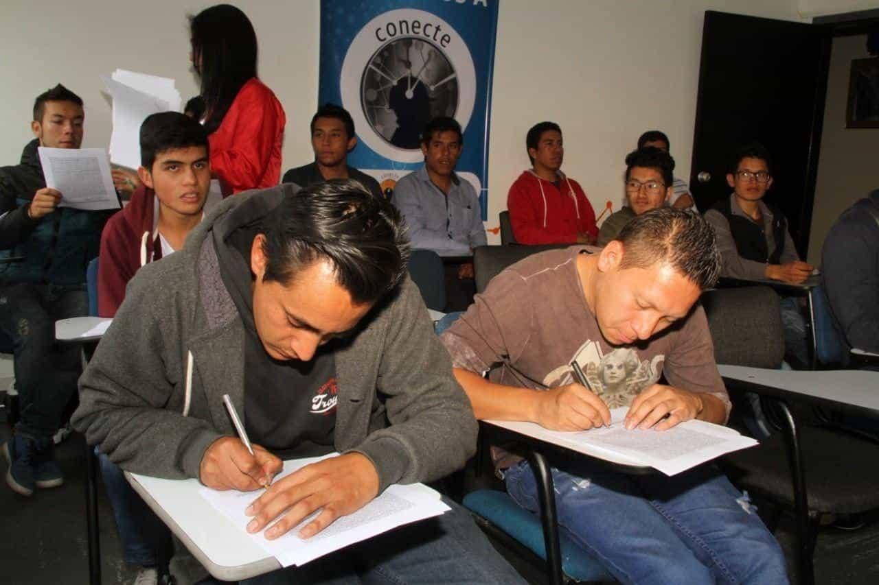 En los últimos tres años Acerías y el Sena han certificado 83 jóvenes en cursos técnicos y 214 en cursos especiales. Foto: Archivo particular