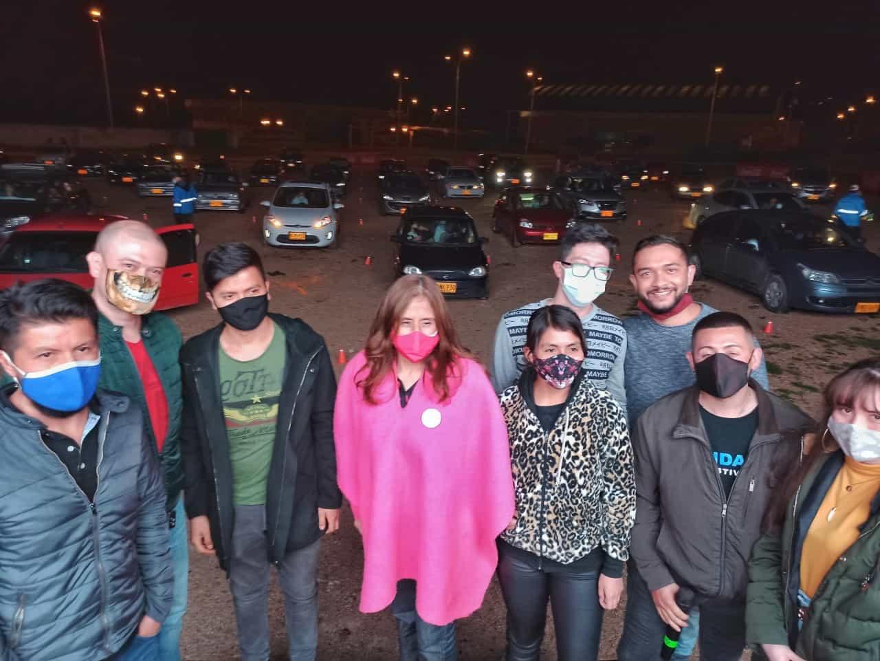 La alcaldesa de Duitama Constanza Ramírez, acompañó al grupo de producción en el estreno del film. Fotografía Mateo Bautista V Boyacá Sie7e Días.