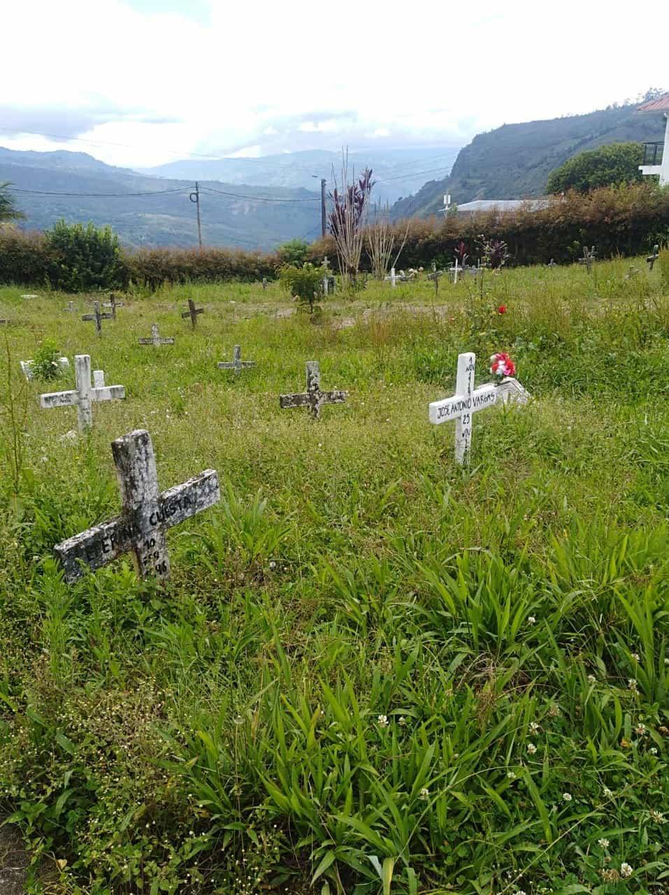 Los mismos familiares han visitado el cementerio, pero aún no están seguros en dónde les pudieron haber sepultado a su hermana.