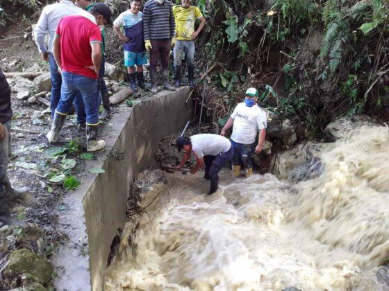 Emergencia en San Pablo de Borbur tras fuerte aguacero que colapsó el acueducto y alcantarillado 12