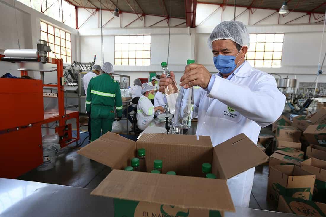 La licorera del departamento no tuvo que salir de ninguno de sus 37 empleados, sino que, por el contrario, a través de su distribuidor, tuvieron que incrementar el número de trabajadores.
